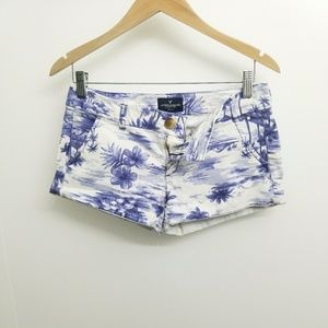 AMERICAN EAGLE OUTFITTER WOMAN SHORT SZ4.